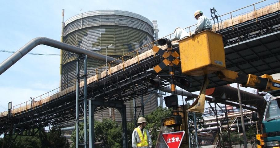 【写真】製鐵所作業風景