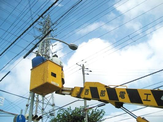 【写真】信号機作業風景